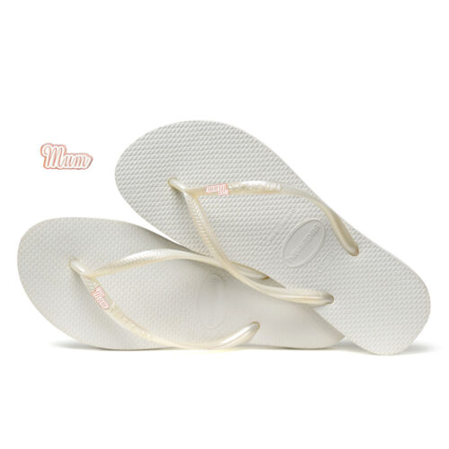 Havaianas White Slim Flip Flops with Rose Gold Mum Charm